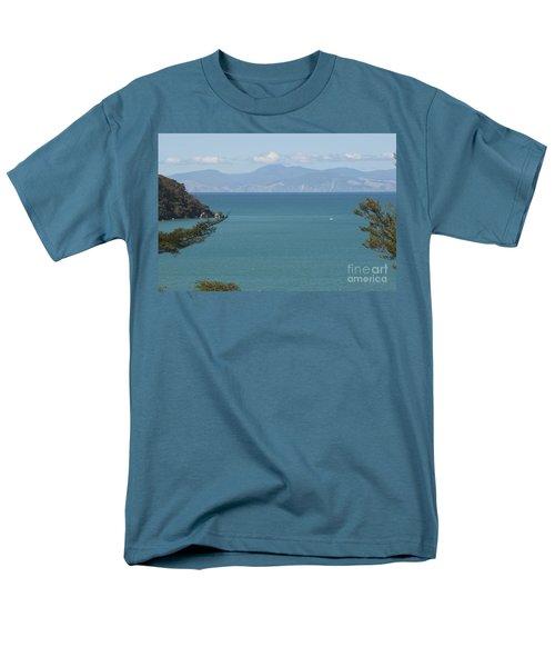 Abel Tasman Split Apple Bay New Zealand Men's T-Shirt  (Regular Fit)