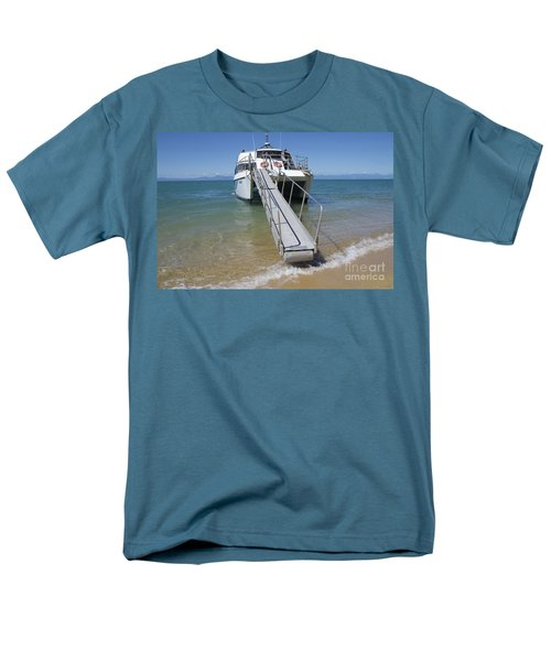 Abel Tasman Water Taxi Men's T-Shirt  (Regular Fit) by Loriannah Hespe
