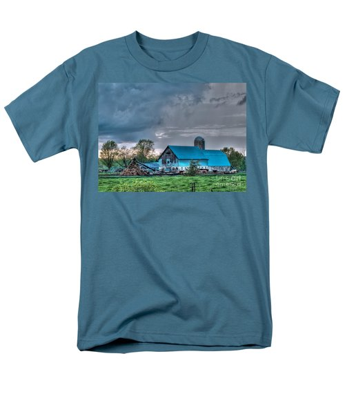 Blue Barn Men's T-Shirt  (Regular Fit)