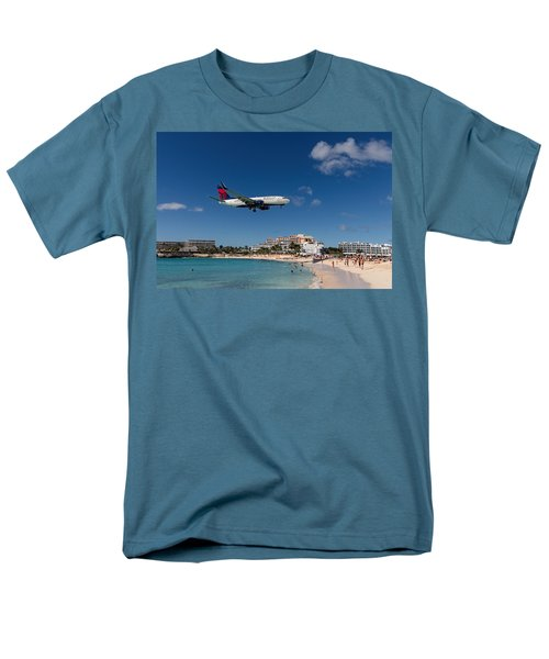 Delta 737 St. Maarten Landing Men's T-Shirt  (Regular Fit) by David Gleeson