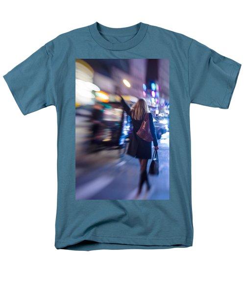 Girl Catching A Taxi In Manhattan Men's T-Shirt  (Regular Fit)