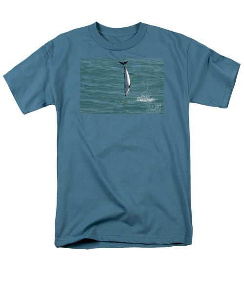 Hector Dolphin Diving Men's T-Shirt  (Regular Fit) by Loriannah Hespe