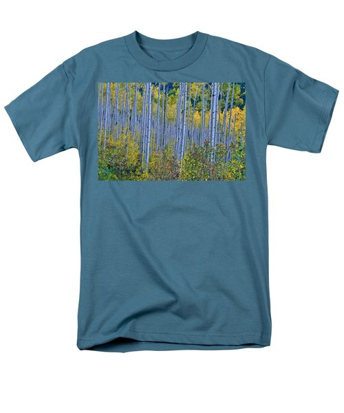 Men's T-Shirt  (Regular Fit) featuring the photograph Lost In The Crowd by Jeremy Rhoades