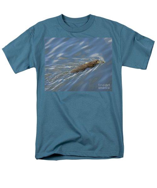 Men's T-Shirt  (Regular Fit) featuring the photograph Taking Dinner Home by Carol Lynn Coronios