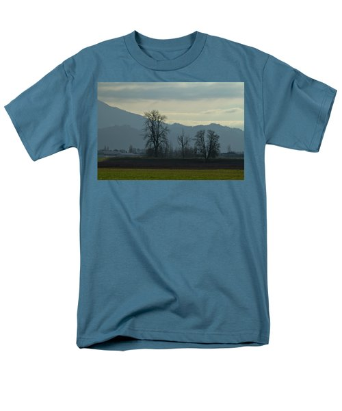 Men's T-Shirt  (Regular Fit) featuring the photograph The Eagle Tree by Eti Reid
