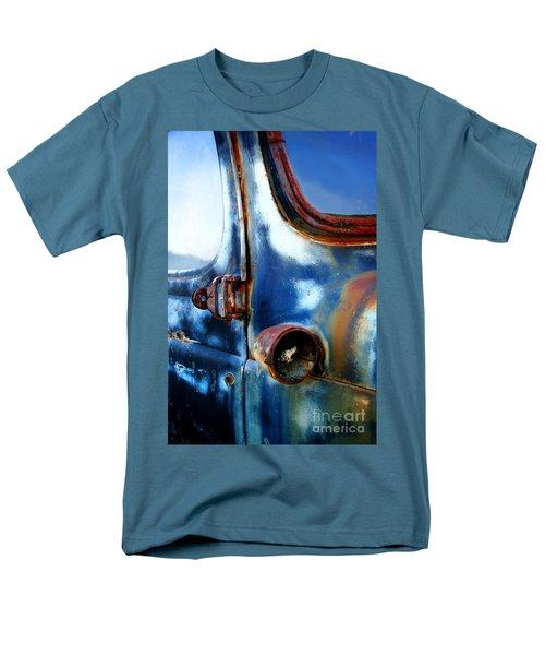 Old Car Men's T-Shirt  (Regular Fit)