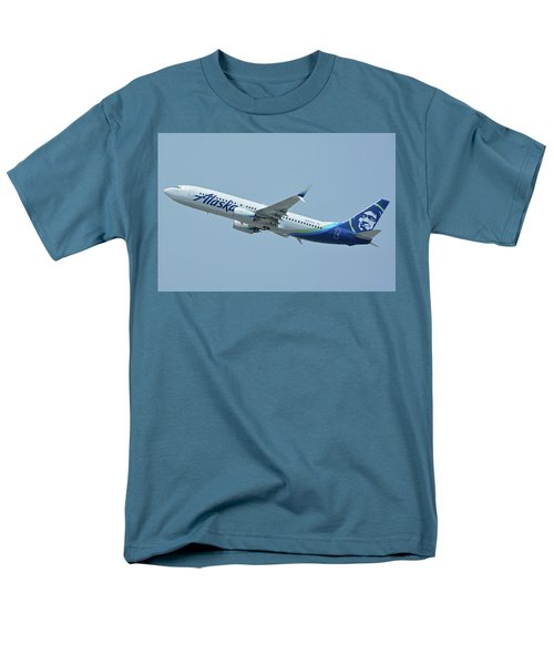 Men's T-Shirt  (Regular Fit) featuring the photograph Alaska Boeing 737-890 N563as Los Angeles International Airport May 3 2016 by Brian Lockett
