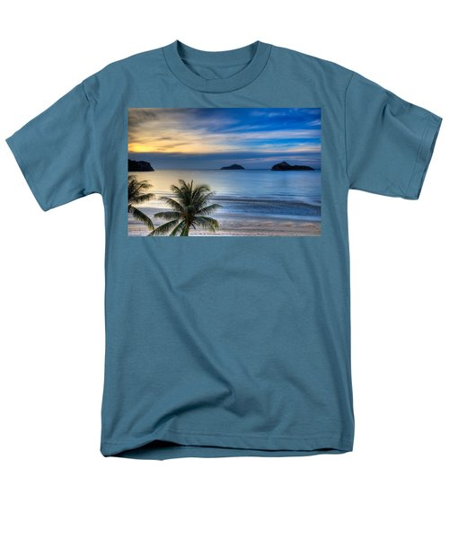 Ao Manao Bay Men's T-Shirt  (Regular Fit) by Adrian Evans