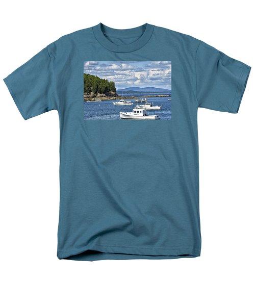 Bar Harbor Lobster Boats - Frenchman Bay Men's T-Shirt  (Regular Fit)