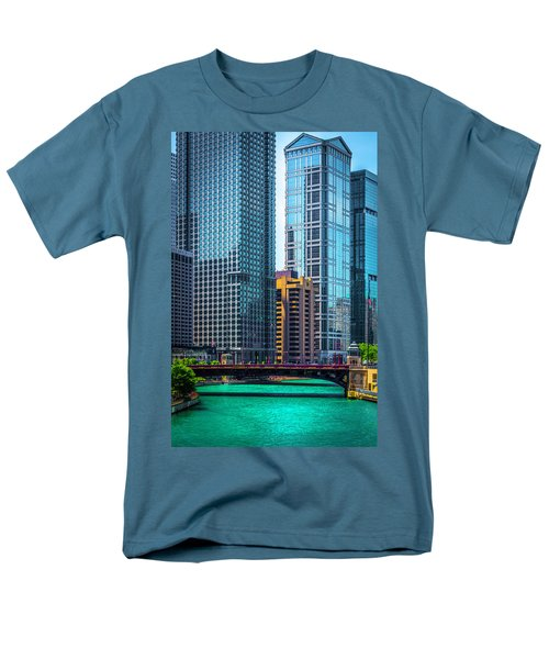 Chicago River From Michigan Ave Dsc2107 Men's T-Shirt  (Regular Fit) by Raymond Kunst