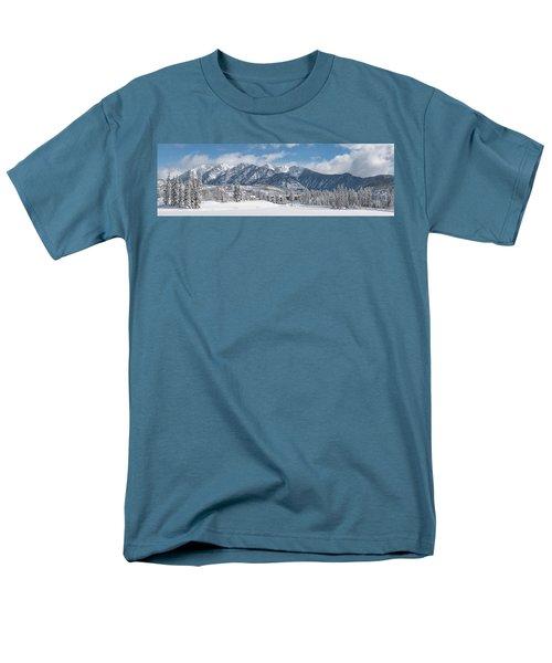 Colorad Winter Wonderland Men's T-Shirt  (Regular Fit) by Darren White