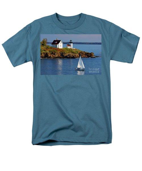 Curtis Island Lighthouse - D002652b Men's T-Shirt  (Regular Fit) by Daniel Dempster