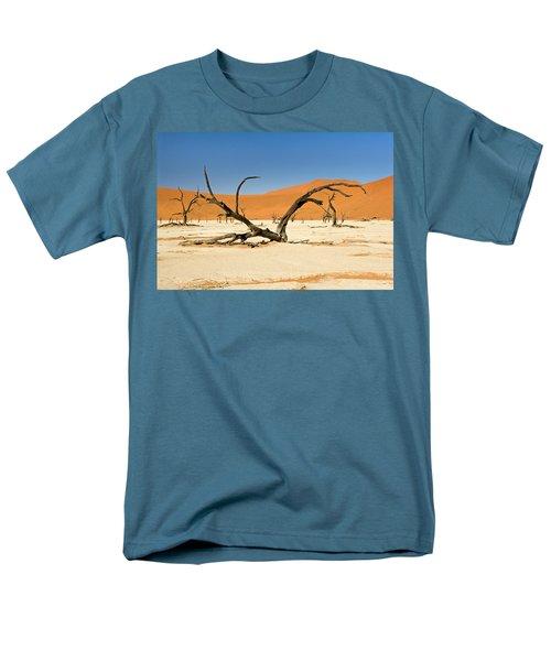 Deadvlei With Tree Men's T-Shirt  (Regular Fit)