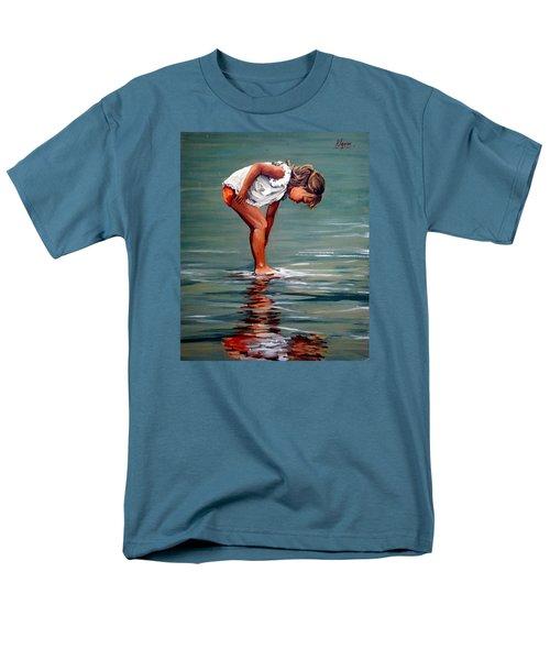 Girl At Shore  Men's T-Shirt  (Regular Fit)