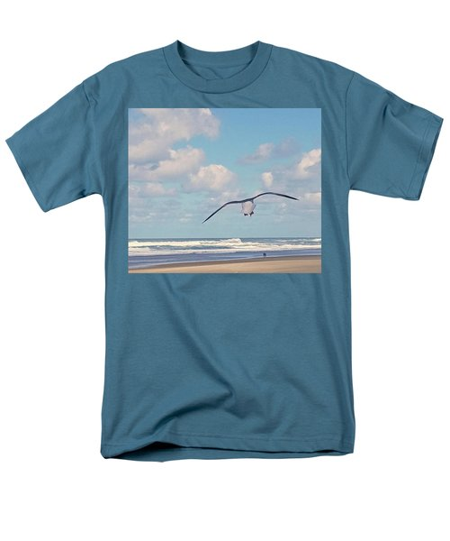 Men's T-Shirt  (Regular Fit) featuring the photograph Gull Getaway by Suzy Piatt