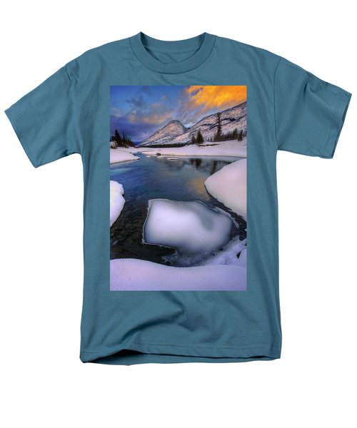 Men's T-Shirt  (Regular Fit) featuring the photograph Jasper In The Winter by Dan Jurak