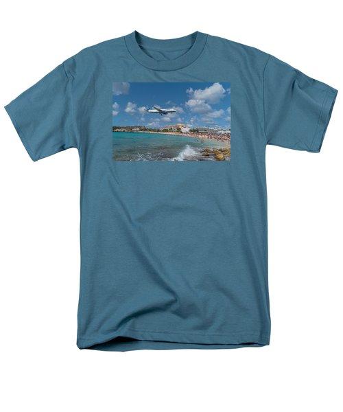 jetBlue at St. Maarten Men's T-Shirt  (Regular Fit) by David Gleeson