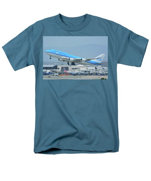 Men's T-Shirt  (Regular Fit) featuring the photograph Klm Boeing 747-406m Ph-bfh Los Angeles International Airport May 3 2016 by Brian Lockett