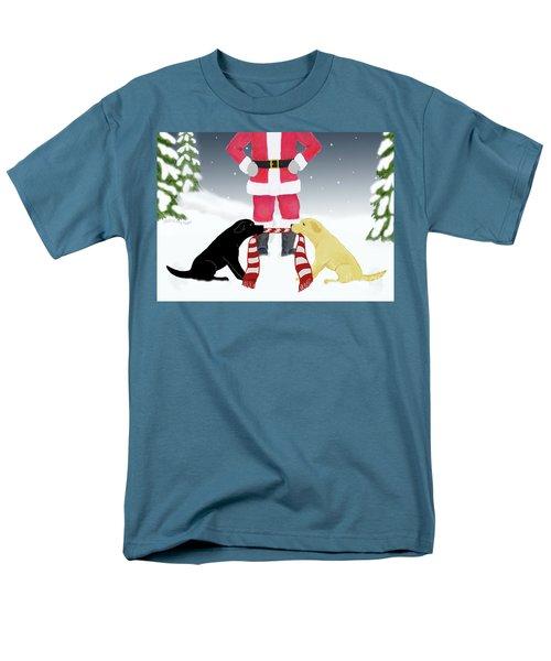 Labs Tug Santa Scarf Men's T-Shirt  (Regular Fit)