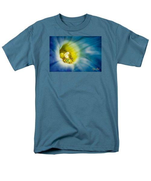 Metallic Green Bee In Blue Morning Glory Men's T-Shirt  (Regular Fit)