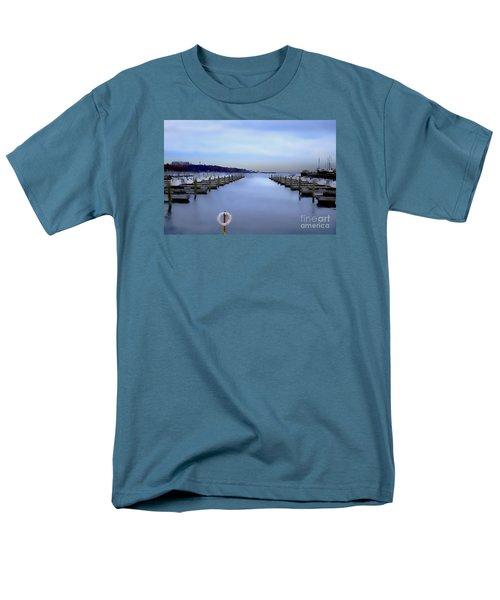 Milwaukee Marina November 2015 Men's T-Shirt  (Regular Fit) by David Blank