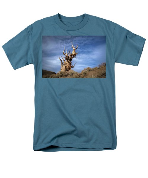 Men's T-Shirt  (Regular Fit) featuring the photograph Old Friend by Sean Foster
