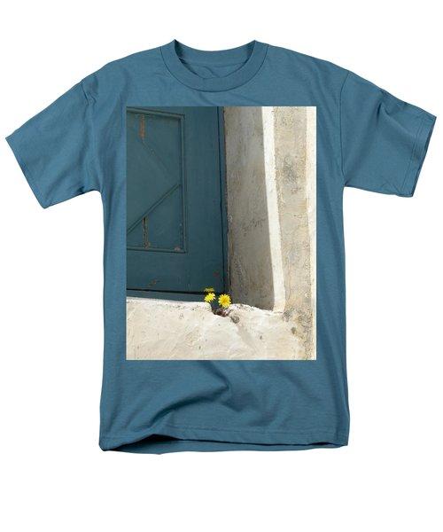 Old Greek Door Men's T-Shirt  (Regular Fit)