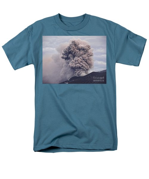 Men's T-Shirt  (Regular Fit) featuring the photograph Plume by Trena Mara