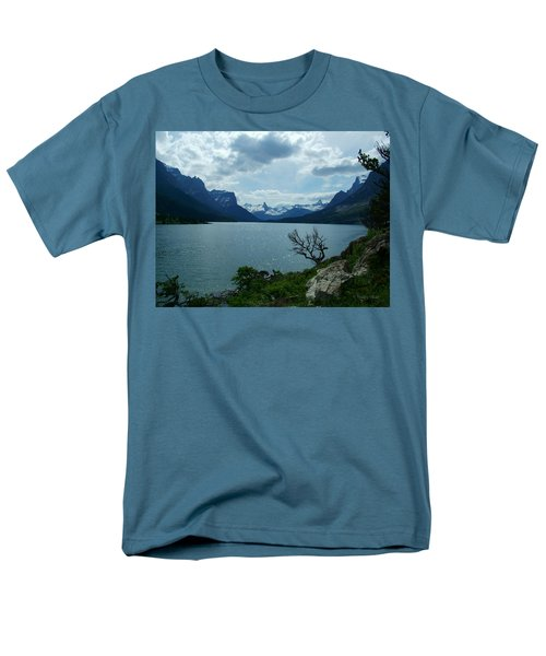 St Mary Lake, Incoming Storm Men's T-Shirt  (Regular Fit)