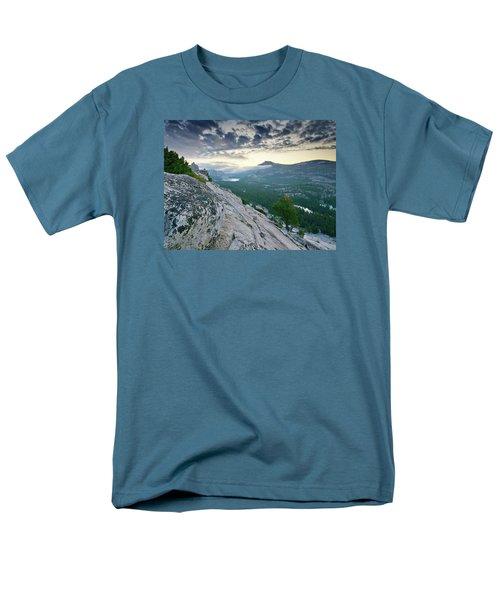 Sunrise Over Tenaya Lake - Yosemite National Park Men's T-Shirt  (Regular Fit)