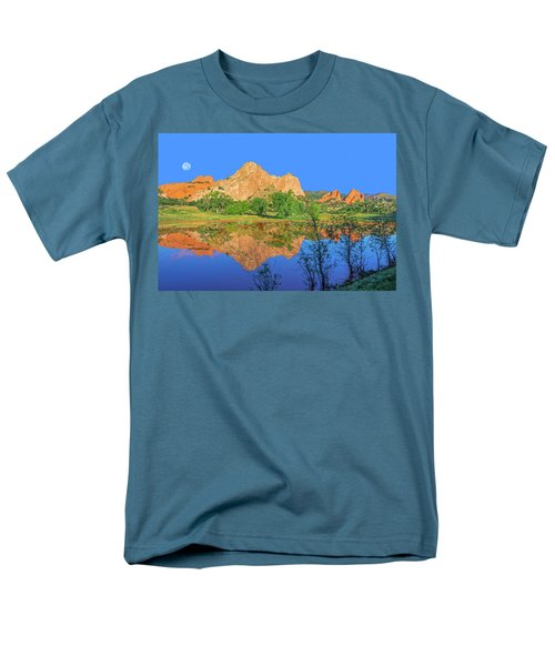 There's A Plenitude Of Awe-inspiring Rock Formations In Colorado.  Men's T-Shirt  (Regular Fit) by Bijan Pirnia