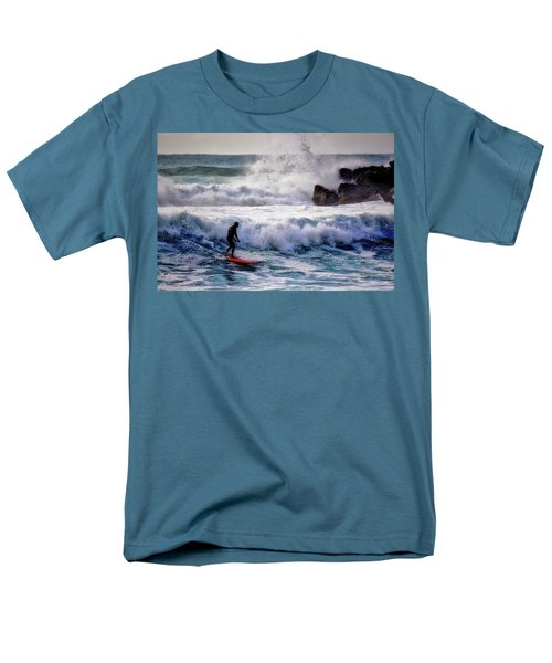 Waimea Bay Surfer Men's T-Shirt  (Regular Fit)