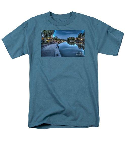 Walk On The Canal Men's T-Shirt  (Regular Fit)