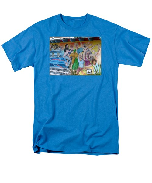 Men's T-Shirt  (Regular Fit) featuring the photograph Keeping It Weird In Austin by Patti Whitten