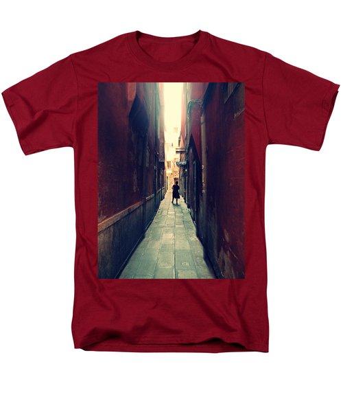 La Cameriera  Men's T-Shirt  (Regular Fit)