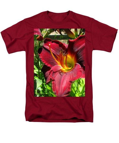 Men's T-Shirt  (Regular Fit) featuring the photograph Pretty As A Picture by Brooks Garten Hauschild