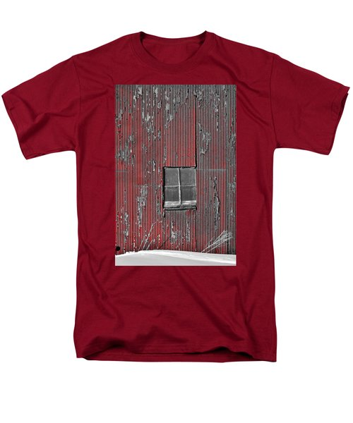 Zink Rd Barn Window Bw Red Men's T-Shirt  (Regular Fit) by Daniel Thompson