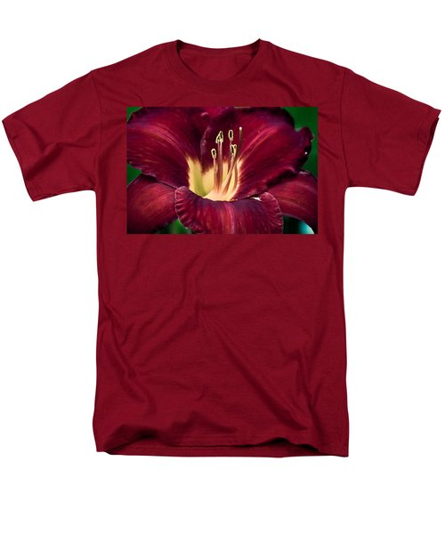 Dramatic Lily Men's T-Shirt  (Regular Fit) by Jason Moynihan