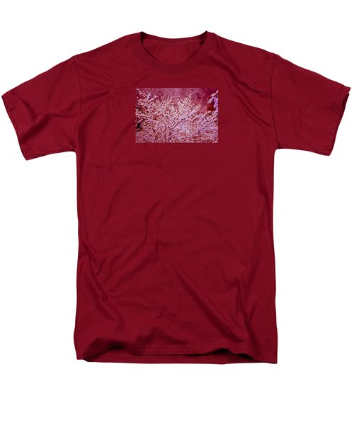 Men's T-Shirt  (Regular Fit) featuring the photograph Dreaming In Red - Winter Wonderland by Susanne Van Hulst