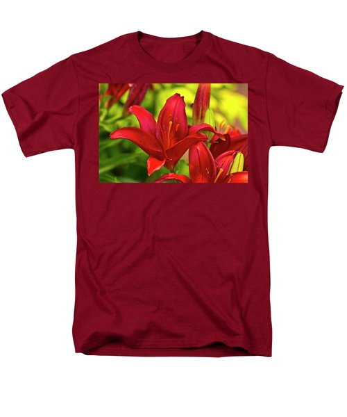 Red Lily Men's T-Shirt  (Regular Fit)