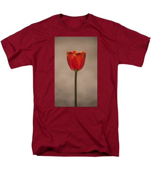 Tulip En Fuego Men's T-Shirt  (Regular Fit) by Morris  McClung