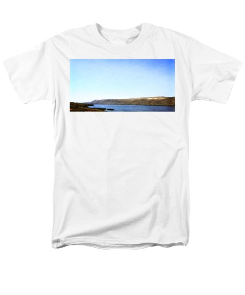 Columbia River Vista Men's T-Shirt  (Regular Fit) by Michelle Calkins