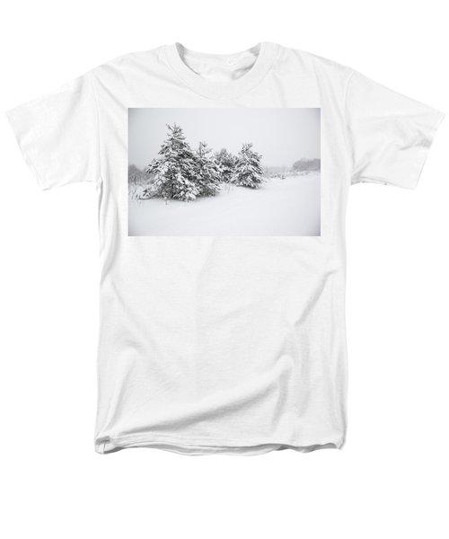 Fir Trees Covered By Snow Men's T-Shirt  (Regular Fit)