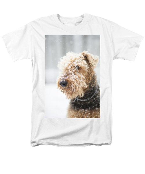 Dog's Portrait Under The Snow Men's T-Shirt  (Regular Fit)