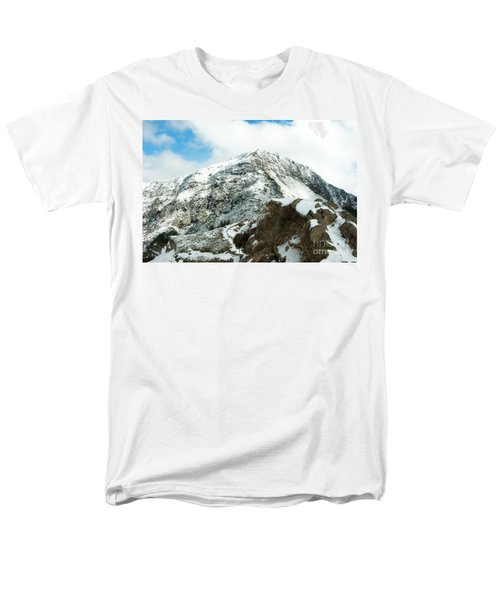 Mountain Covered With Snow Men's T-Shirt  (Regular Fit) by Yew Kwang