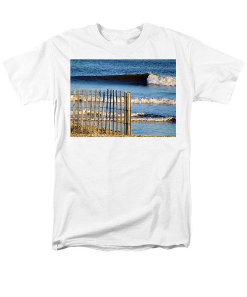 Nice Wave Men's T-Shirt  (Regular Fit) by John Wartman