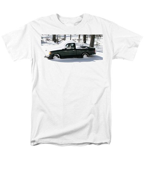 Men's T-Shirt  (Regular Fit) featuring the photograph Pickup In The Snow by Pamela Hyde Wilson