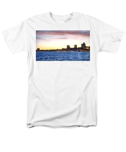Skyline Hamburg Men's T-Shirt  (Regular Fit) by Daniel Heine