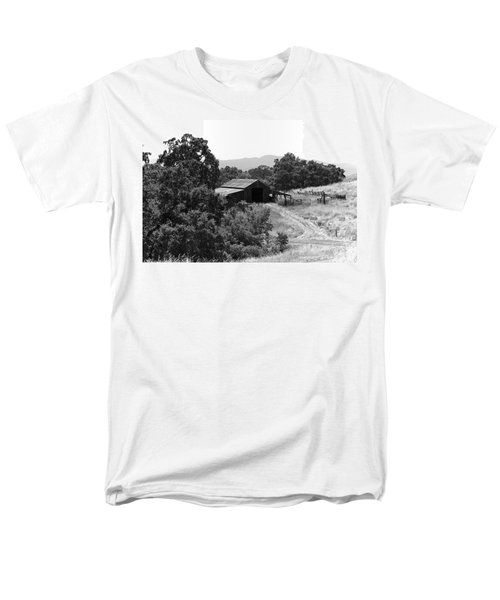 The Barn Men's T-Shirt  (Regular Fit) by Richard J Cassato
