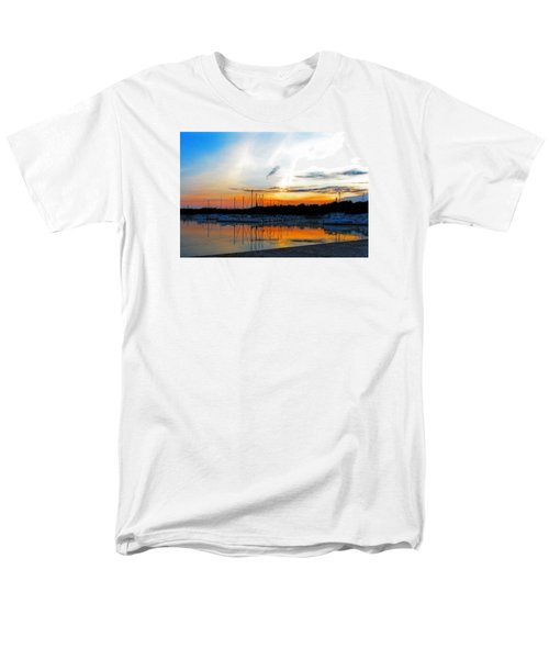 When The Sun Goes Down Men's T-Shirt  (Regular Fit) by Susan  McMenamin